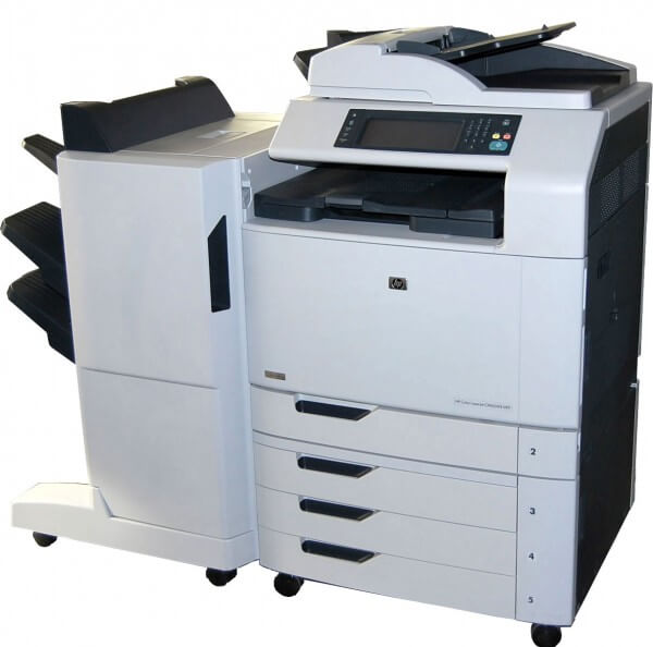 HP Color Laserjet CM6030f MFP mit Finisher